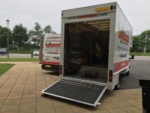 Removal Vans, Open, Loading